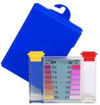 Medence tesztkészlet használata a vízminőség ellenőrzéséhez